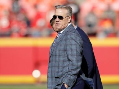 Lynch has leaned on Elway from field to front office